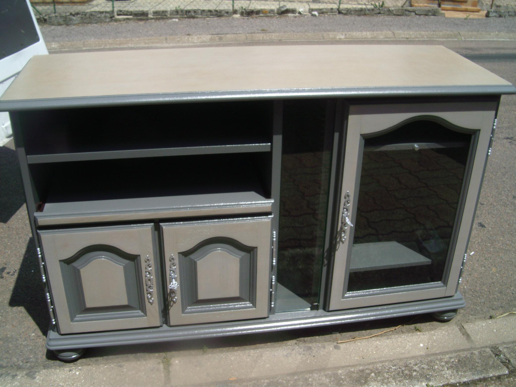comment relooker un meuble tv maison et mobilier d 39 int rieur. Black Bedroom Furniture Sets. Home Design Ideas
