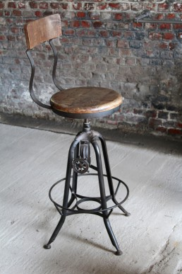 tabouret de bar vintage industriel maison et mobilier d 39 int rieur. Black Bedroom Furniture Sets. Home Design Ideas