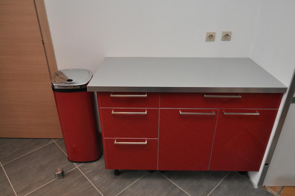 ikea meuble tv modulable maison et mobilier d 39 int rieur. Black Bedroom Furniture Sets. Home Design Ideas