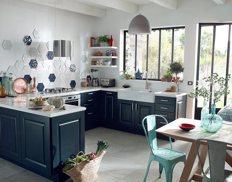 stunning meubles cuisine bleu gris contemporary awesome interior home satellite. Black Bedroom Furniture Sets. Home Design Ideas