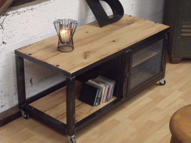comment fabriquer meuble tv industriel maison et mobilier d 39 int rieur. Black Bedroom Furniture Sets. Home Design Ideas