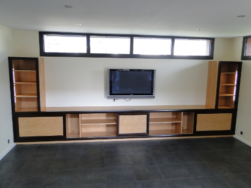 comment fabriquer meuble tv bois. Black Bedroom Furniture Sets. Home Design Ideas