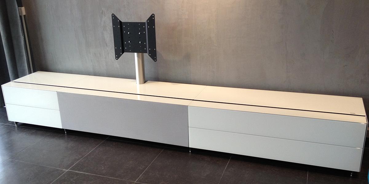 Meuble banc tv blanc maison et mobilier d 39 int rieur for Banc tv bois blanc
