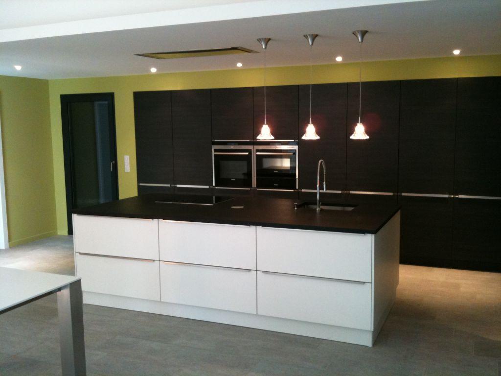 hotte aspirante de plafond maison et mobilier d 39 int rieur. Black Bedroom Furniture Sets. Home Design Ideas