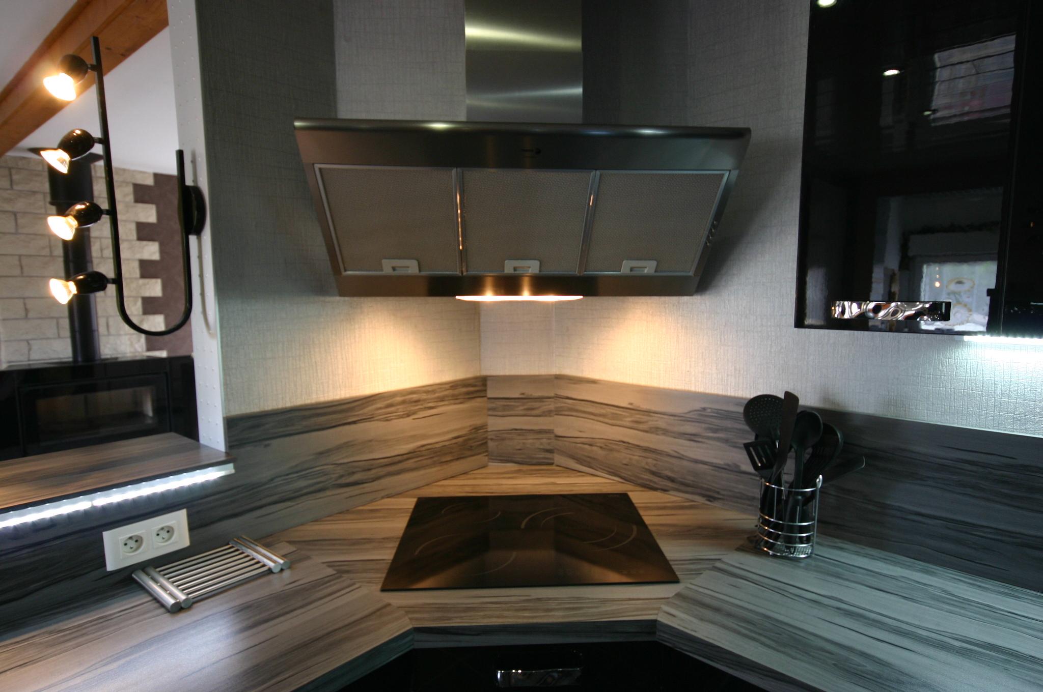 hotte cuisine angle maison et mobilier d 39 int rieur. Black Bedroom Furniture Sets. Home Design Ideas