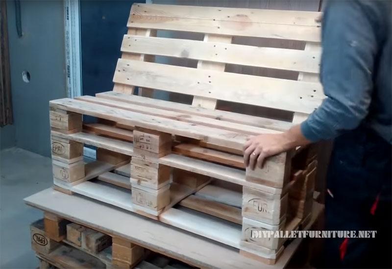 Comment faire un canapé en palette