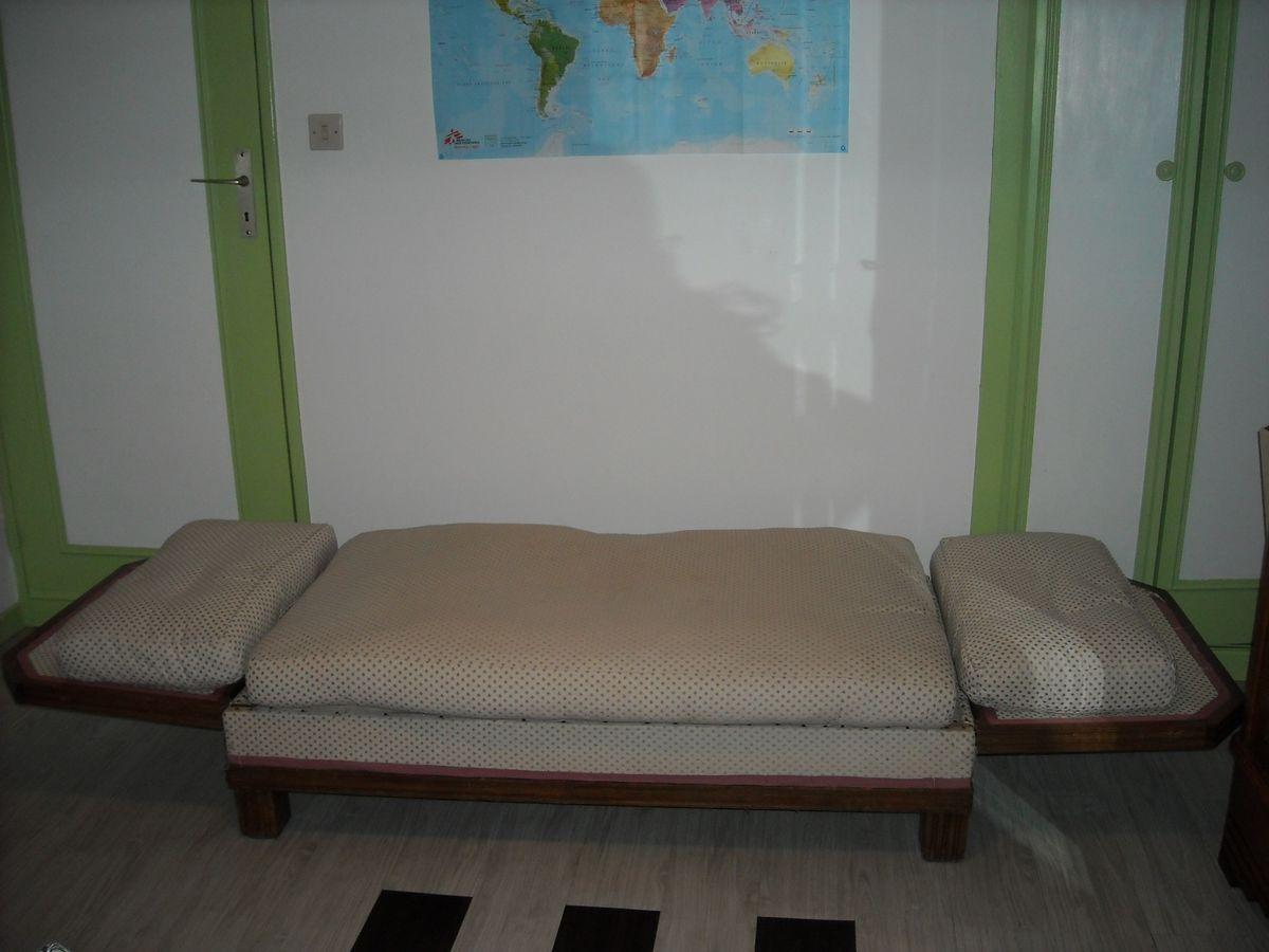 Canape lit ancien