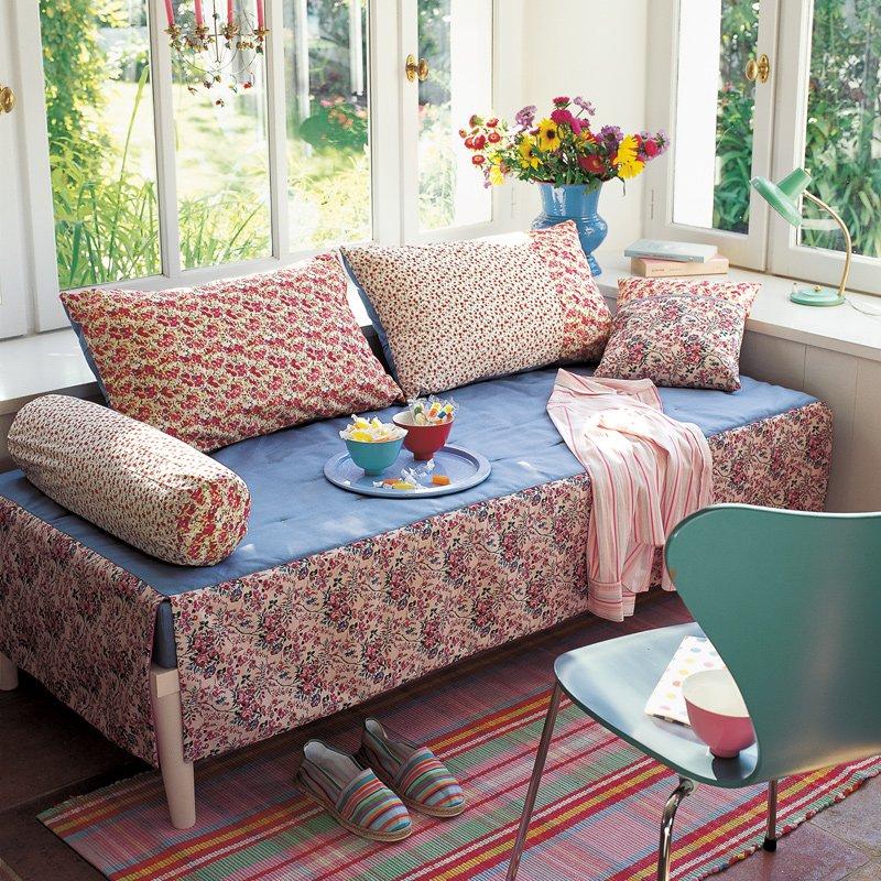 Comment transformer un lit de coin en canapé