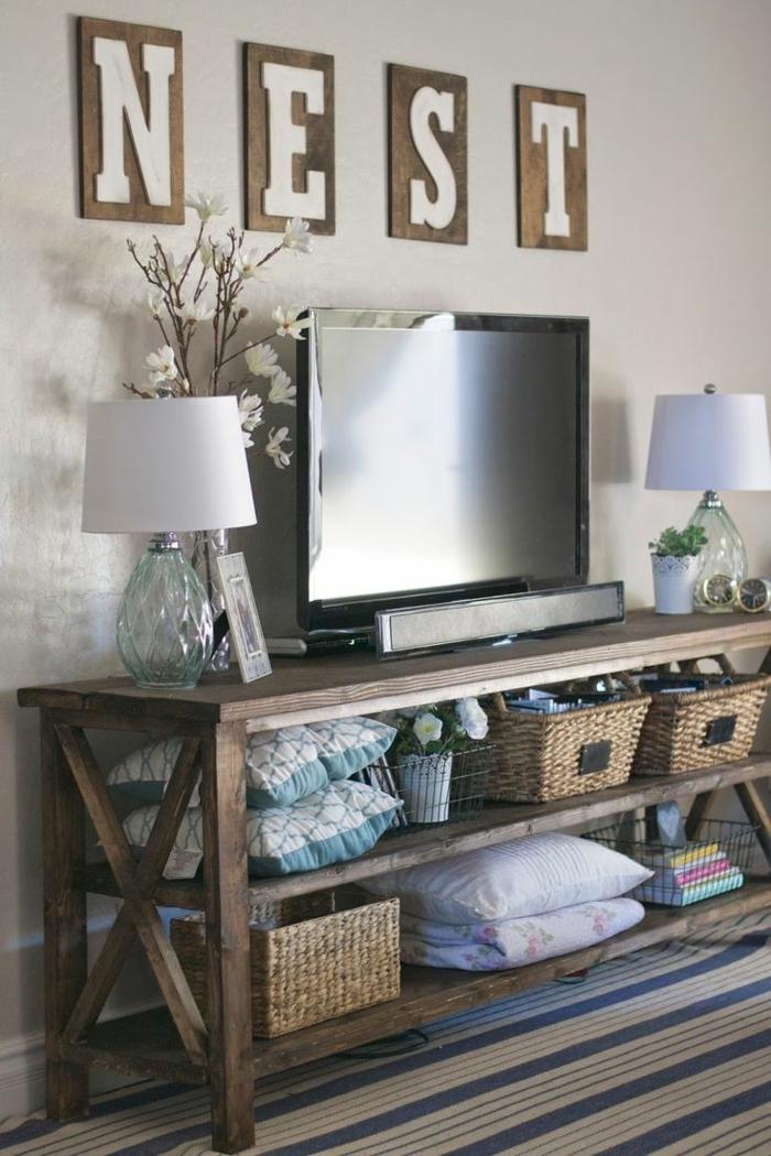 Lampe sur meuble tv