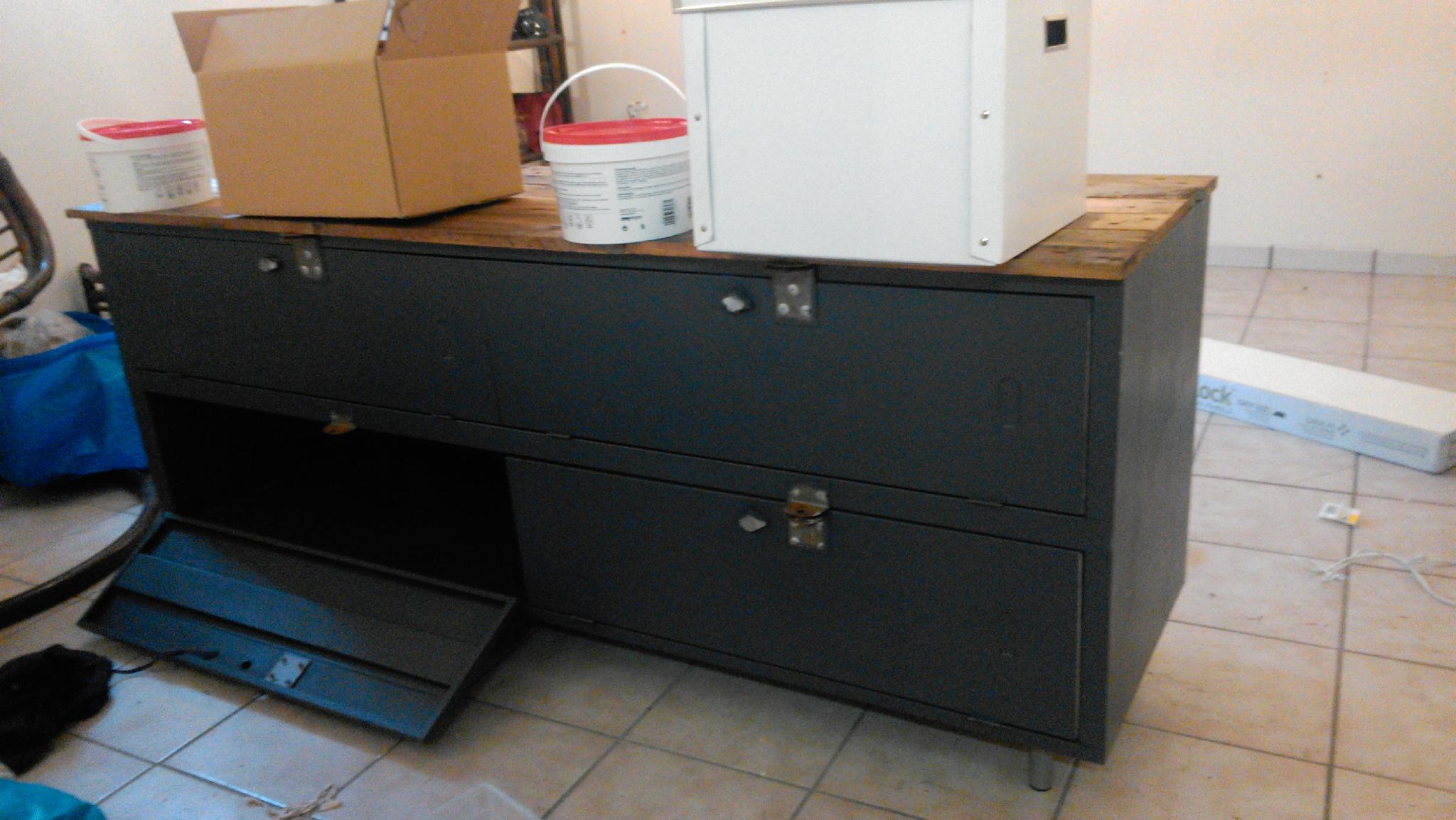 Fabriquer meuble tv vestiaire