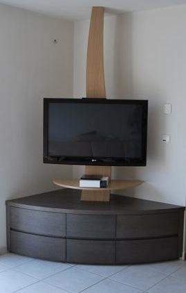 Construction meuble tv angle