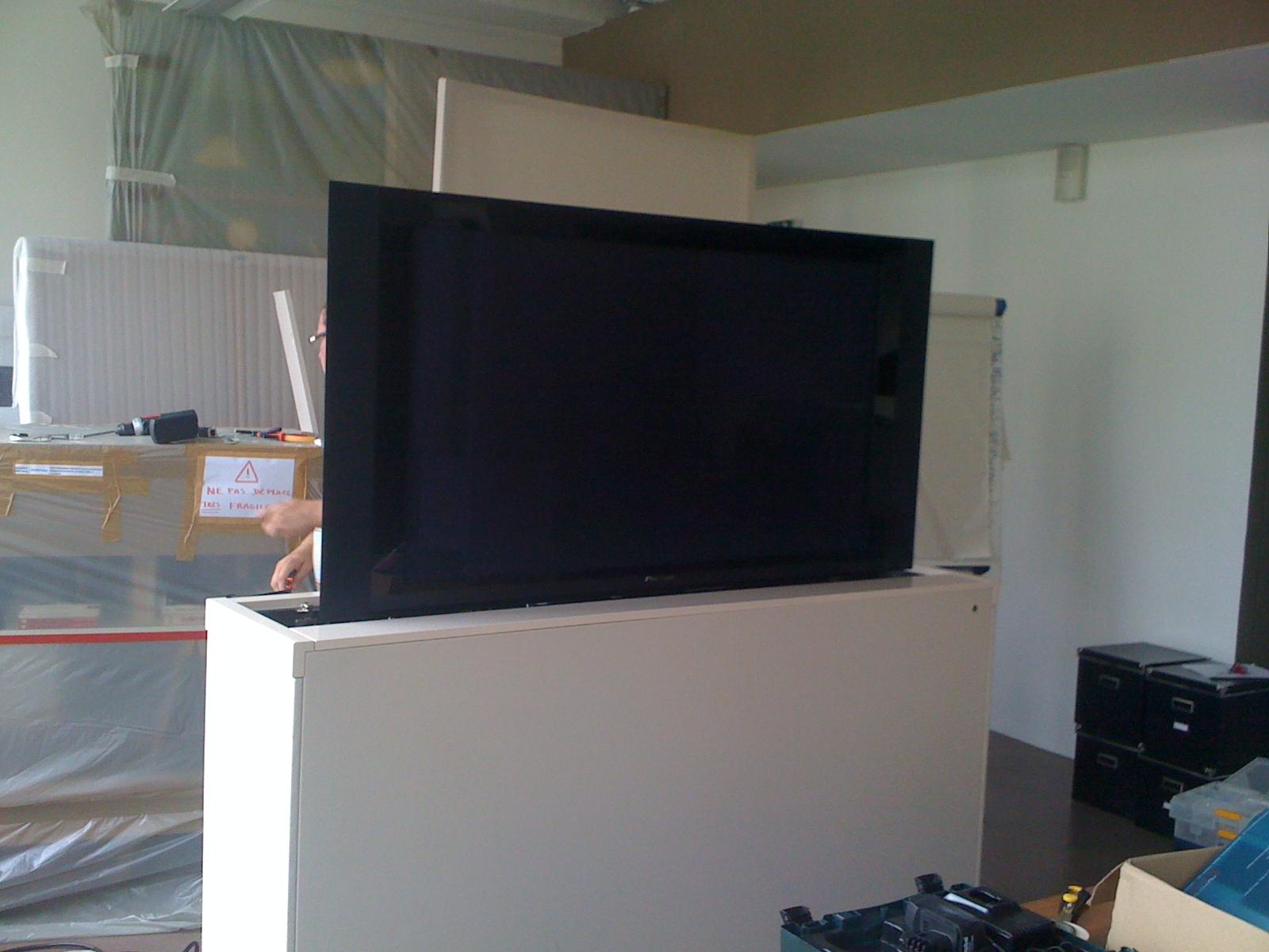 Meuble tv qui monte