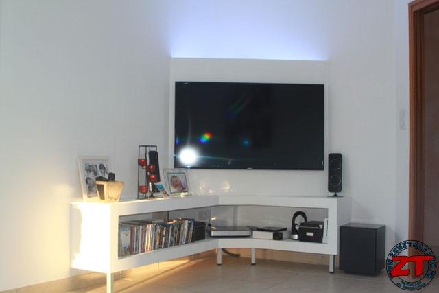 Agencement meuble tv angle