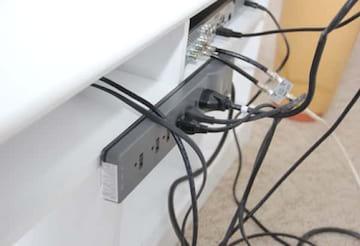 Comment cacher les fils derriere meuble tv