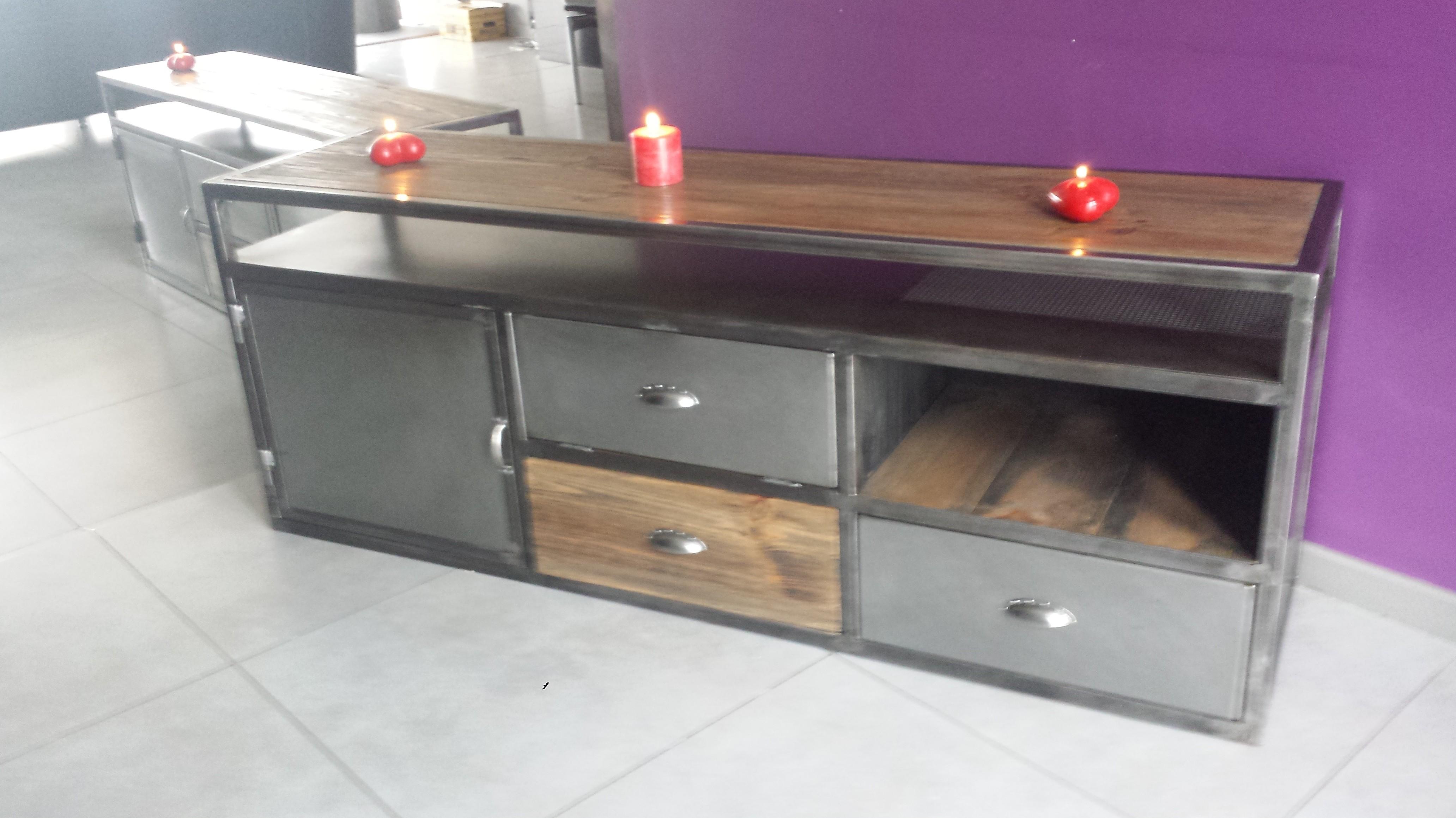 Fabriquer un meuble tv en bois et metal