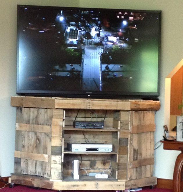 Meuble tv avec palette de bois